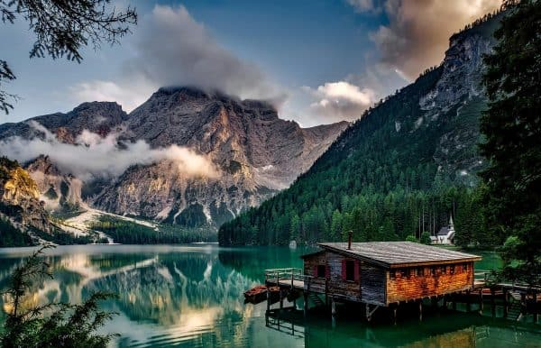 Insta-Hotspot Pragser Wildsee: Warum der Antholzer See die perfekte Alternative ist