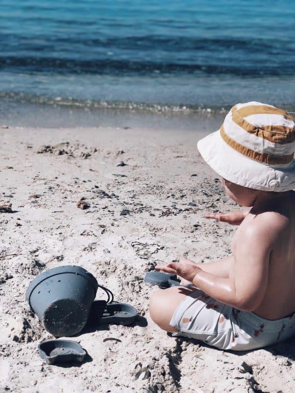 10 Tipps die Babys und Kinder vor der Hitze schützen