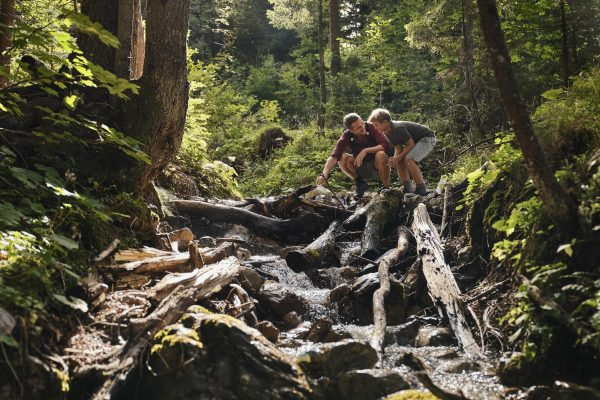 """""""Are we there soon?"""" 4 hiking games for tired kids on the mountain"""